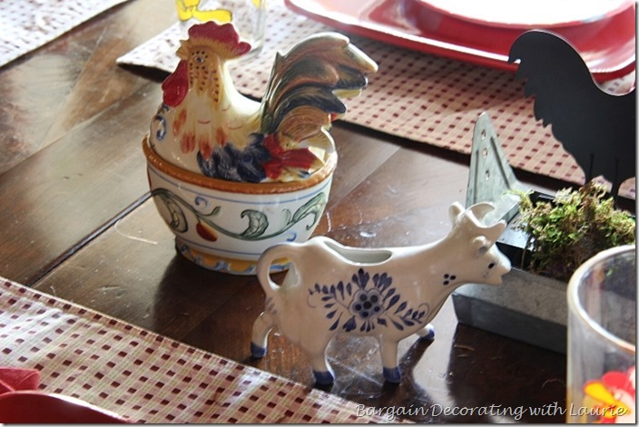 rooster server and cow creamer