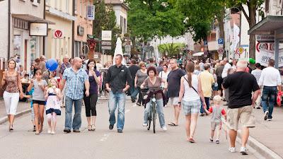 Verkaufsoffener Sonntag in Neuenburg