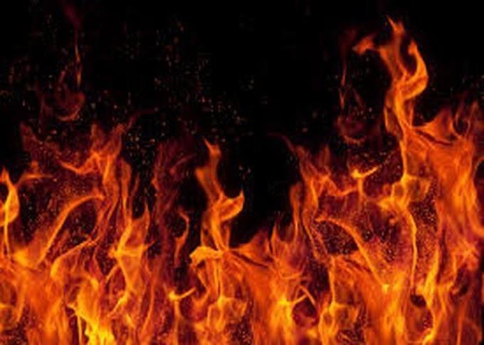 समस्तीपुर में खाद के गोदाम में लगी आग लाखों की संपत्ति जलकर राख