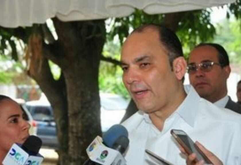 ADUANAS DETECTA MAFIA EN IMPORTACIÓN DE VEHÍCULOS DE LUJO