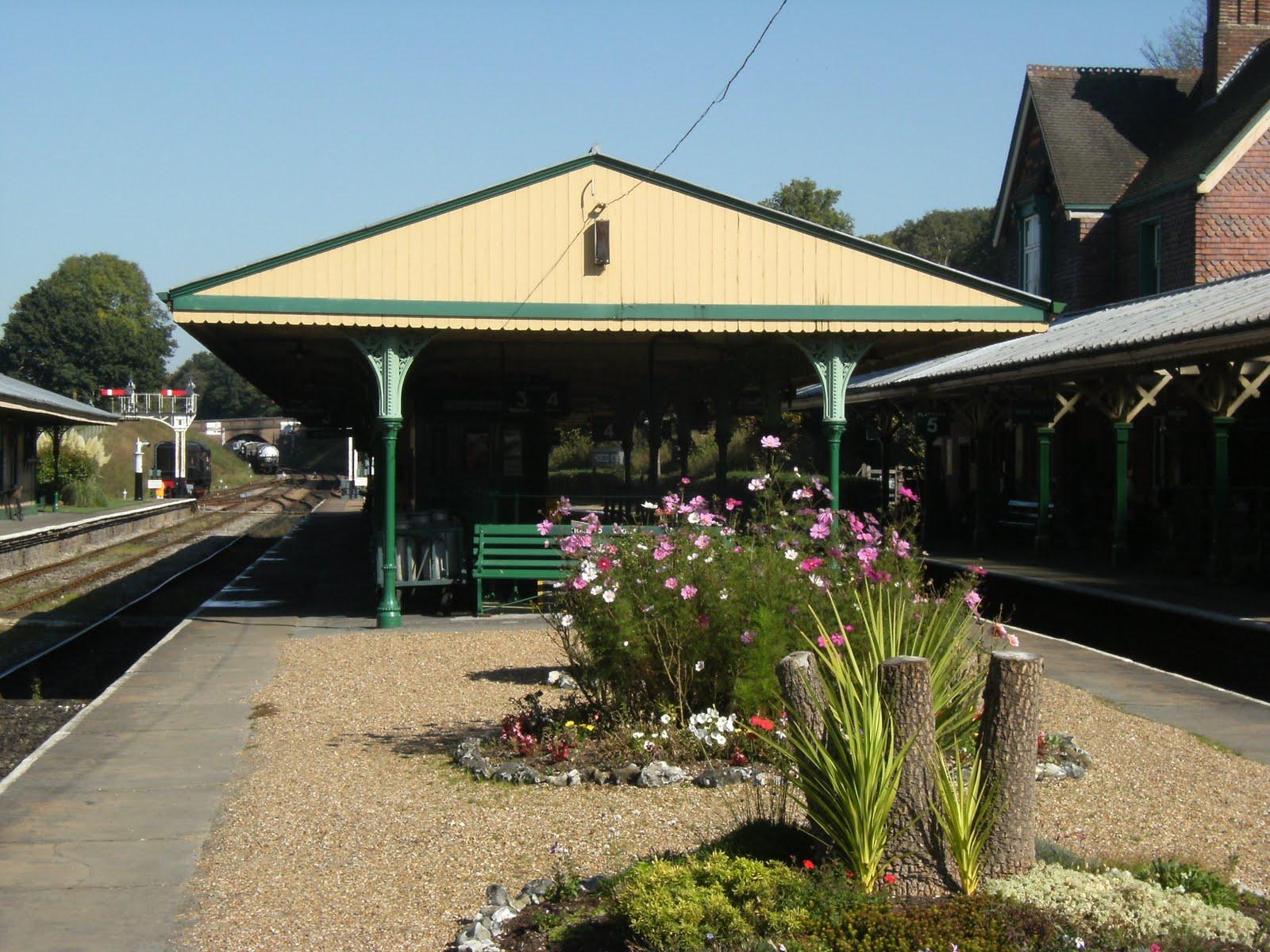 DSCF9732 Platforms 3&4, Horsted Keynes station