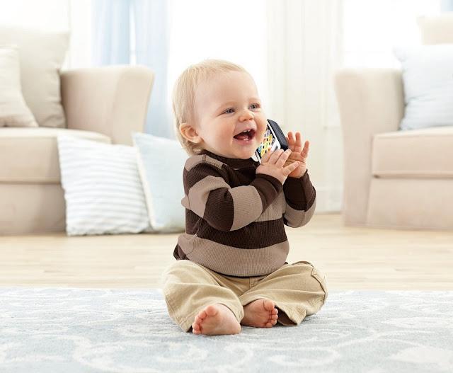 Đồ chơi Điện thoại thông minh Fisher-Price Laugh & Learn Smart Phone tuyệt đối an toàn