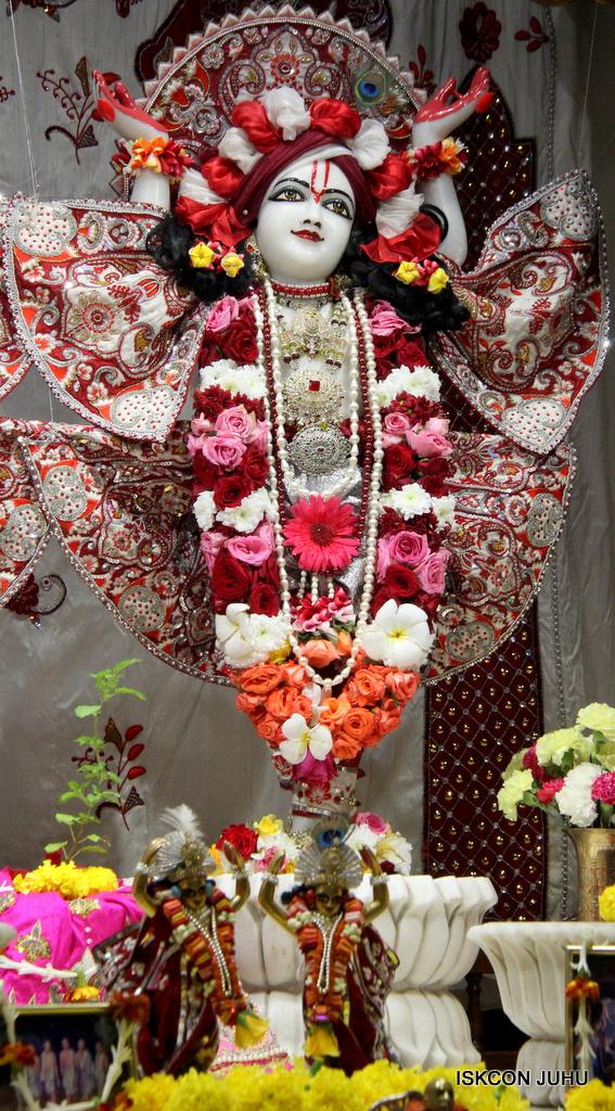 ISKCON Juhu Sringar Deity Darshan on 30th Sep 2016 (61)