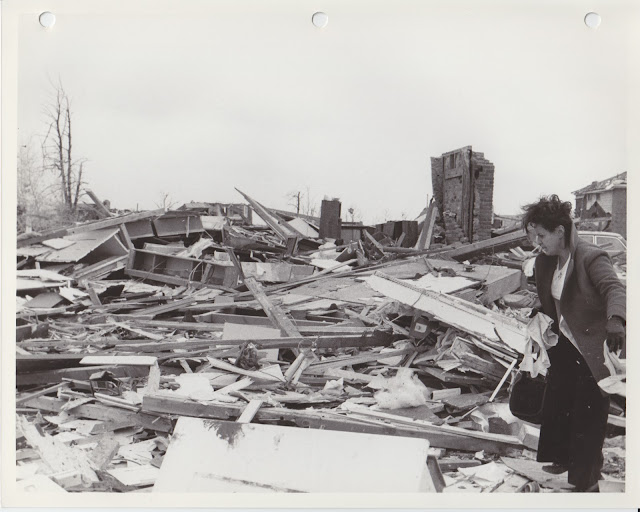 1976 Tornado photos collection - 109.tif
