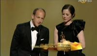 never seen photos at oscar 2011 backstage photos pics Oscars-2011-academy-awards-2011-rare-moments-captured-photos-images-pics-