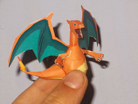 Mini Charizard Papercraft