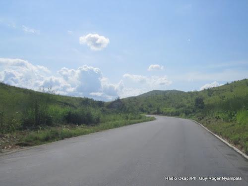 Rdc l entreprise chinoise crek7 va asphalter la route for Route nationale 104