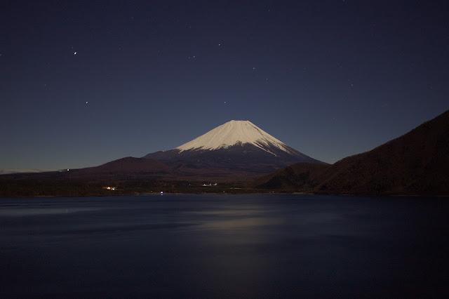 本栖湖 満月の夜