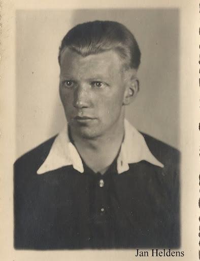 1947-1948 (3).JPG