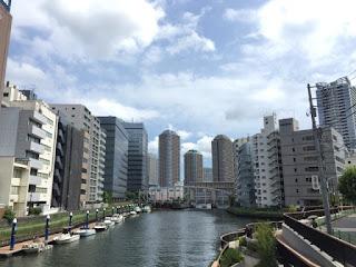 八丁堀駅から撮影した佃島のマンション群