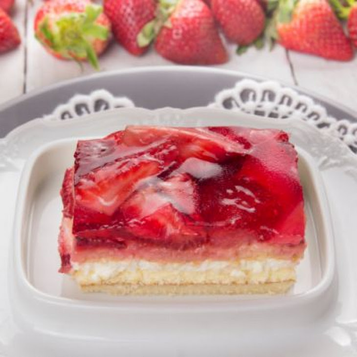 Layered Vanilla Pudding Cake with Berry-Filled Jello Topping Recipe