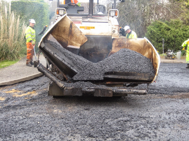 St Johns Close Resurfacing 23-03-2015. Pictures by Chris Cannon - IMG_1085.JPG