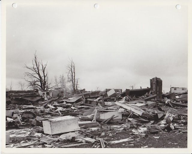 1976 Tornado photos collection - 51.tif