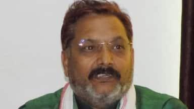 उत्तर प्रदेश : बीजेपी विधायक एक ही दिन में पॉजिटिव और निगेटिव दोनों पाए गए, किया तंज-कब तक चलेगा ये सब?