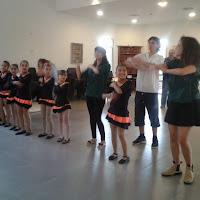 ריקוד מקרנה משותף