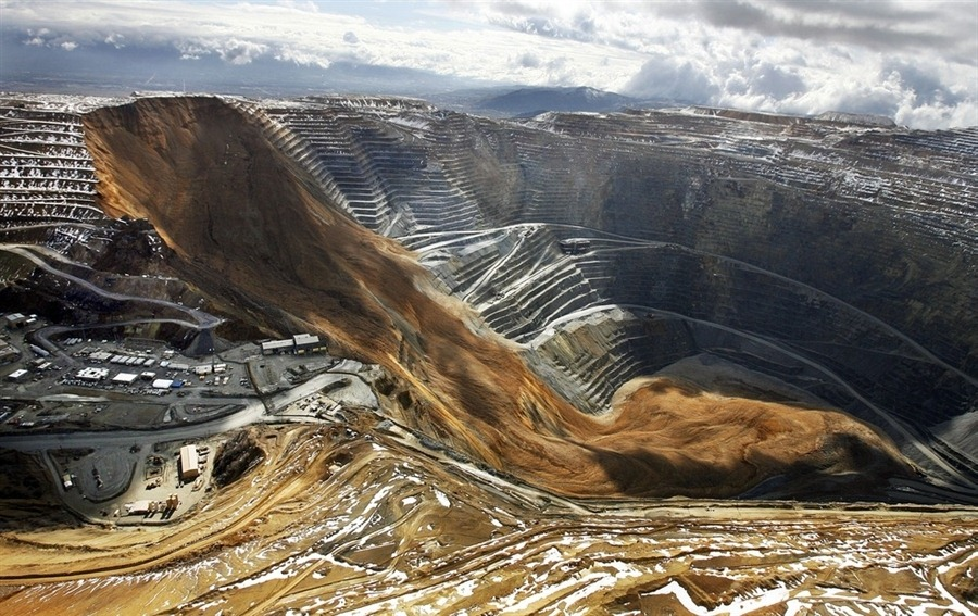 bingham-canyon-mine-landslide-12