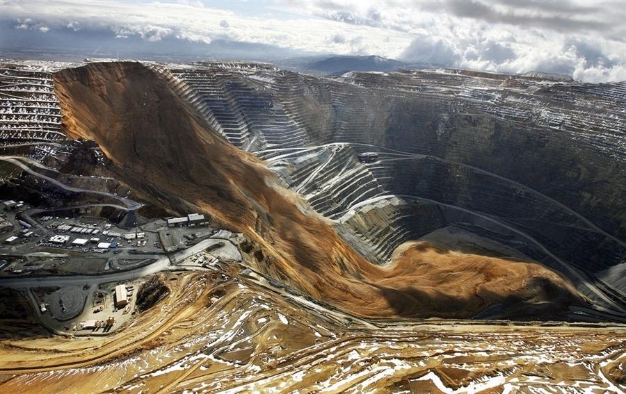 bingham-canyon-mine-landslide-12