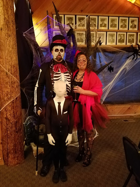 2017 Halloween/Oktoberfest - 20171021_174357_resized.jpg