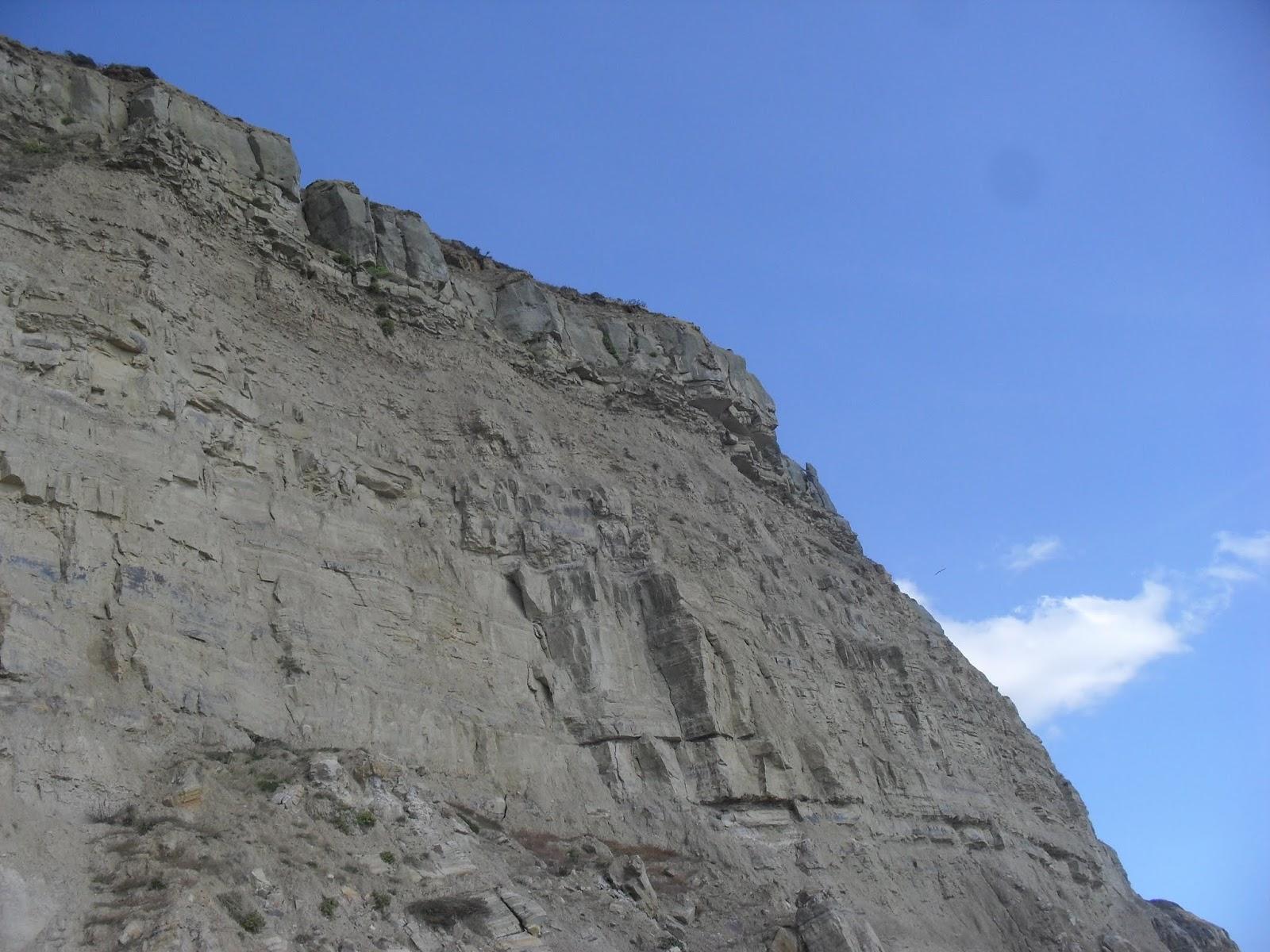 SDC11587 Unstable cliffs