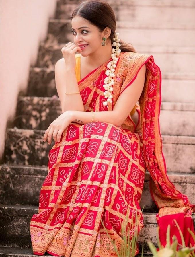 Tamil actress Janani Iyer latest hottest stills