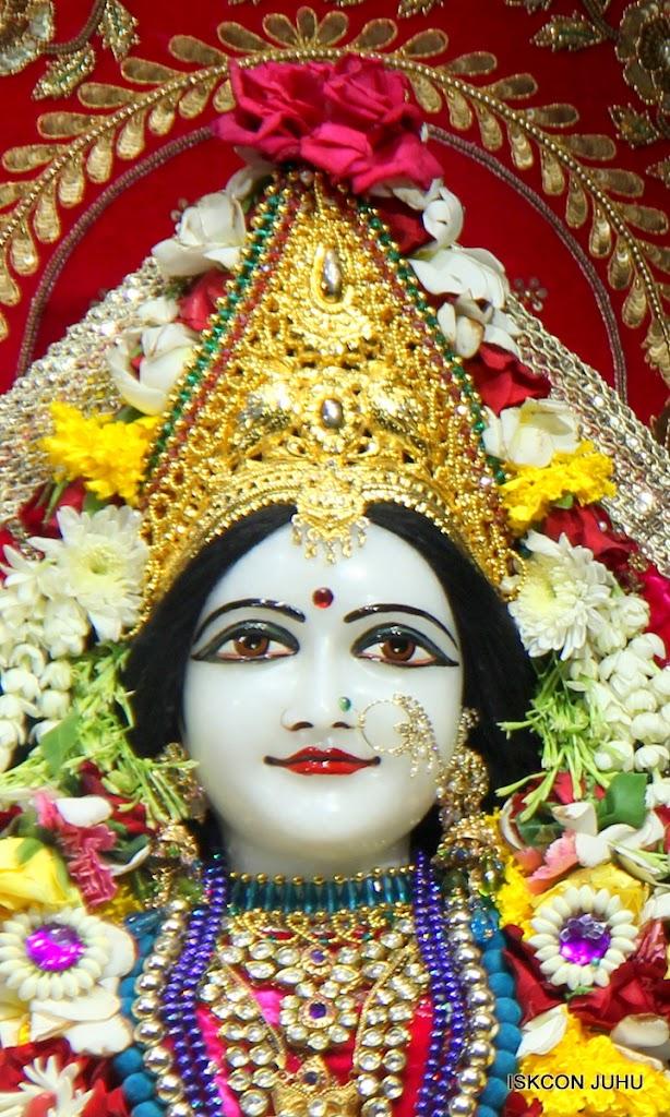 ISKCON Juhu Sringar Deity Darshan on 1st May 2016 (27)
