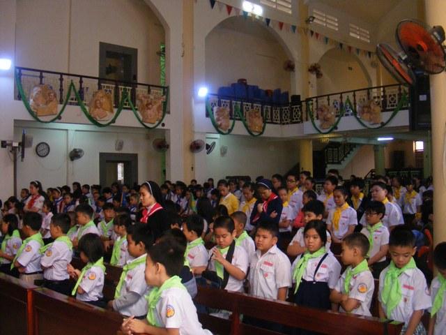 Ban giáo lý Giáo xứ Phước Hòa  tổ chức sơ kết học kỳ 1 và mừng tuổi  Cha quản xứ và phó xứ.