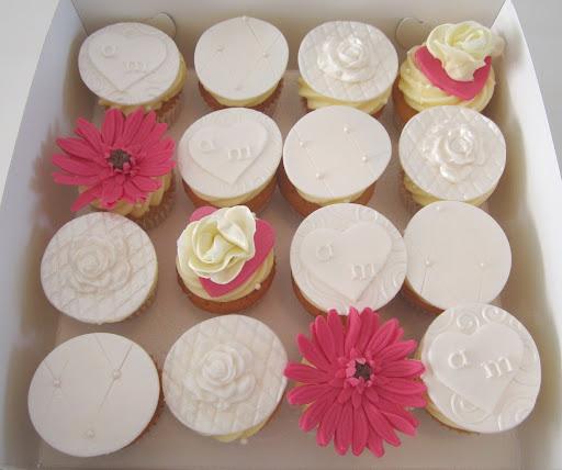 007- Bruiloft cupcakes gerbera.JPG