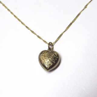 10K Gold Etched Heart Pendant Necklace