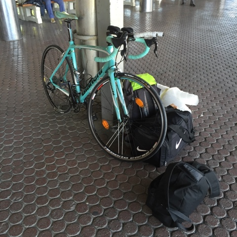 travelling to almiraman triathlon with a bianchi and a bus