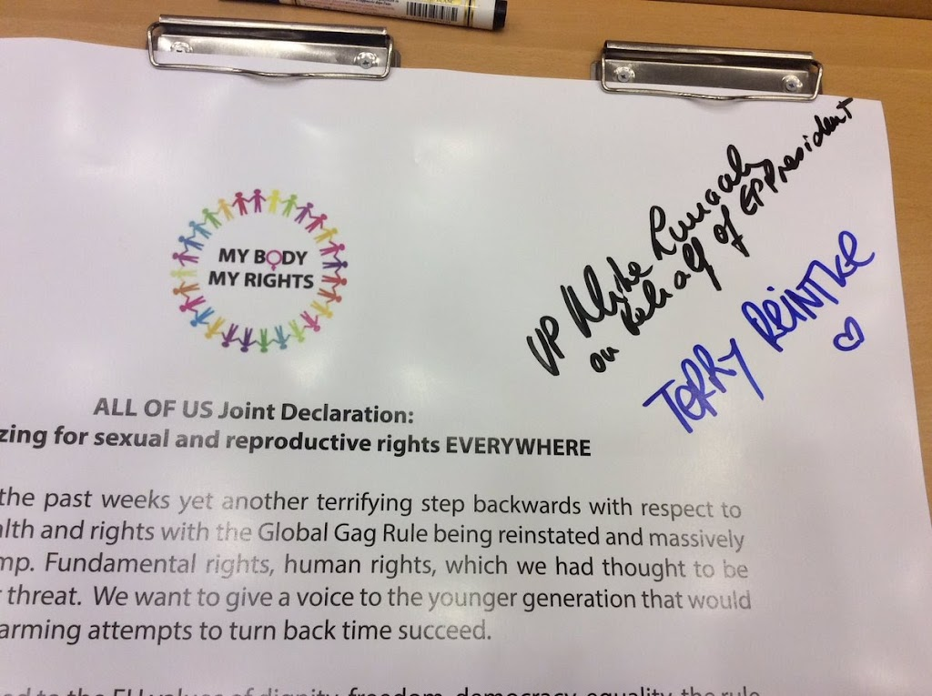 Signing joint declaration mobilizing support for #SRHR everywhere.jpeg