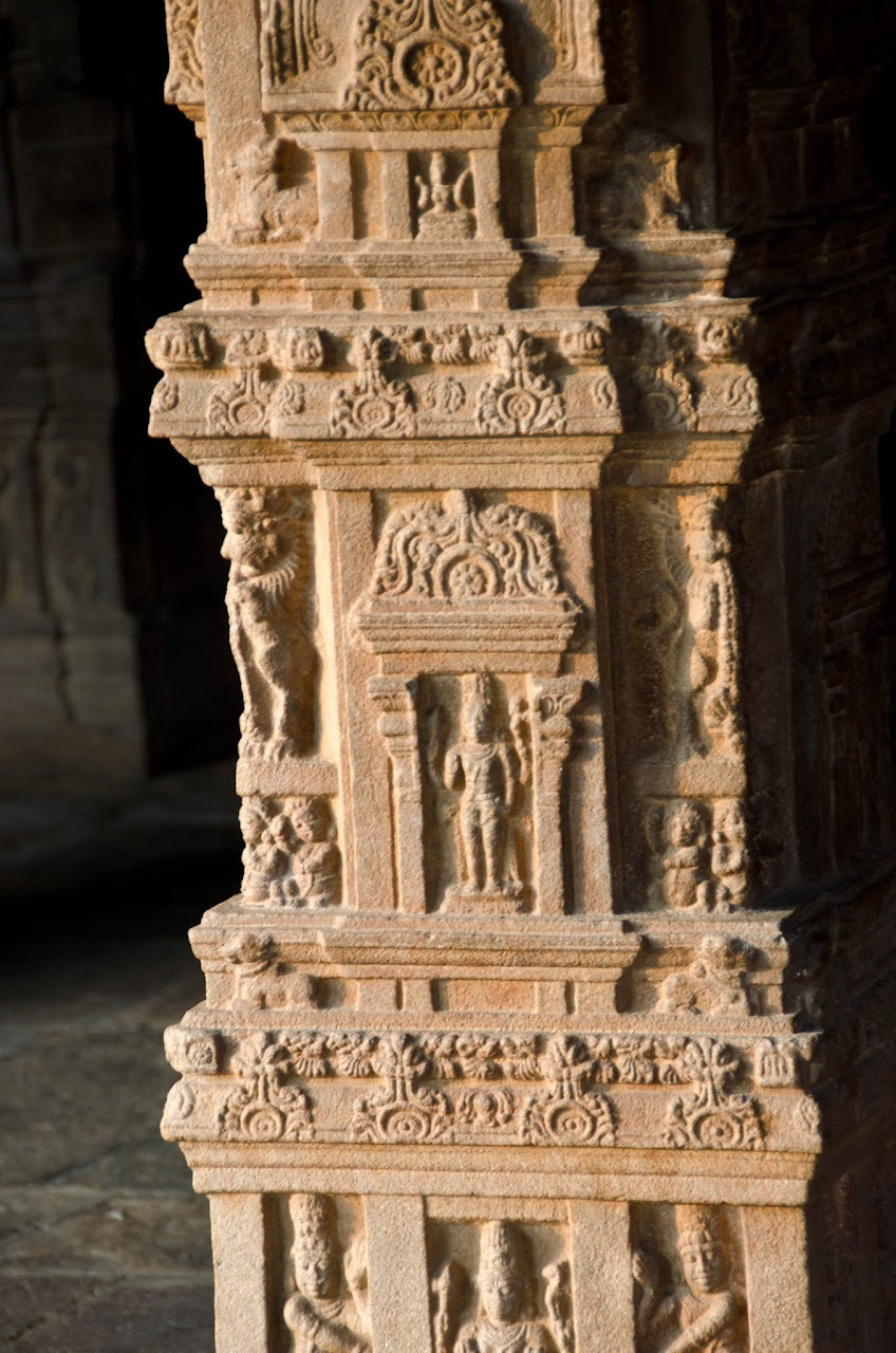 Airavatesvara Temple pillar