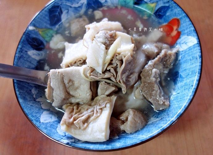 24 嘉義東市場牛雜湯、筒仔米糕、火婆煎粿