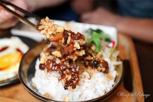 西門町餐酒館LAST ORDER/得獎黑金滷肉飯/創意料理/特製調酒/夜貓子宵夜美食/西門站餐廳。