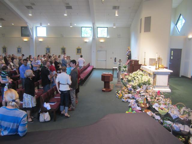 4.7.2012, Wielka Sobota, Świecenie pokarmów, kościół MOQ, Norcross. Zdjęcia E. Gürtler-Krawczyńska - 013.JPG