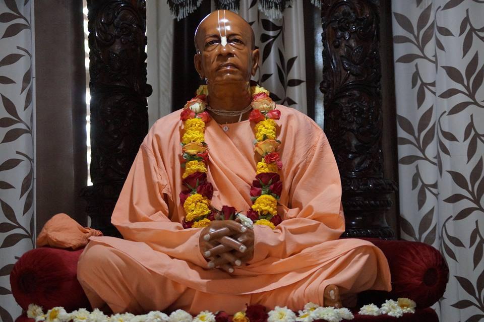 ISKCON Noida Deity Darshan 28 Mar 2016  (3)