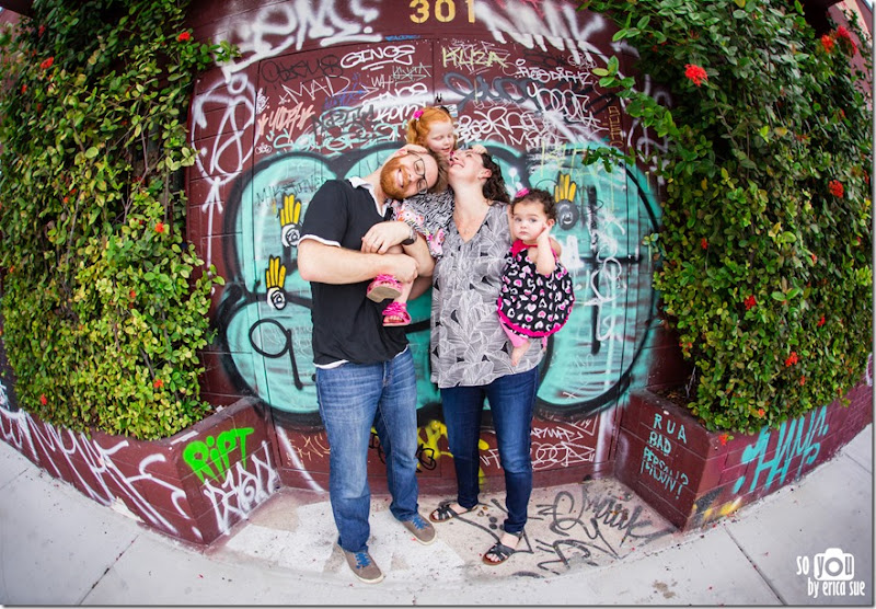 wynwood-walls-miami-family-photo-session-maternity-1638