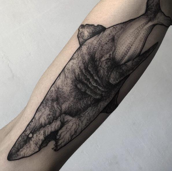 este_dotwork_tatuagem_de_tubaro