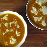 Zupa krem z marchewki i dyni, ze śmietaną