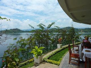 Paasontbijtje bij Lake Kivu