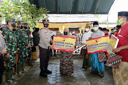 Peduli Korban Bencana, Forkompinda Jawa Timur Silaturahmi dan Takziyah ke 5 Santriwati Yang Meninggal Akibat Tanah Longsor