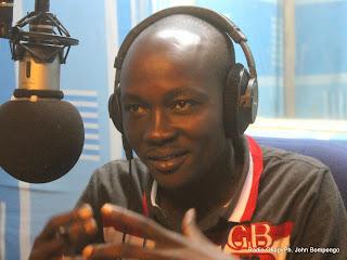 Alain Uaykani, ancien enfant soldat de l'Ituri à l'Est de la RDC  lors d'une émission le 30/07/2014 au studio de Radio Okapi à Kinshasa/Photo John Bompengo