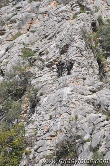 Subida al cerro Tavizna