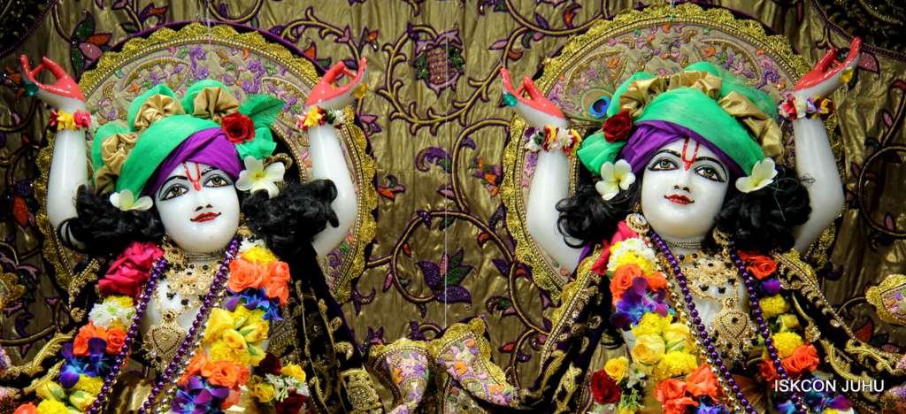 ISKCON Juhu Sringar Deity Darshan 19 Dec 2015 (22)