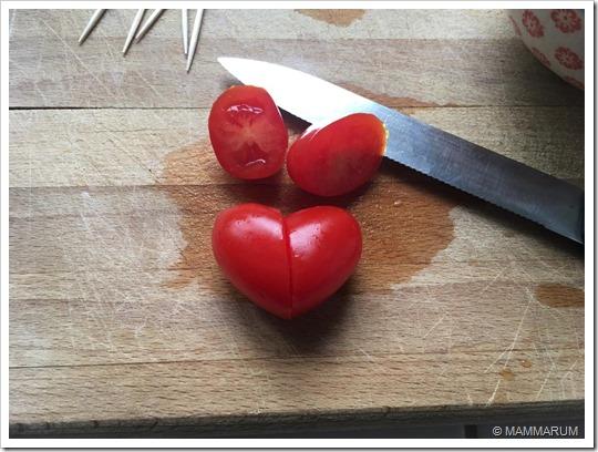Pomodorini a forma di cuore3
