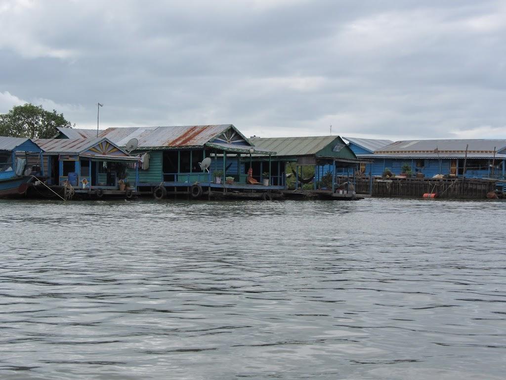 0027Tonle_Sap_Lake_Floating_Village