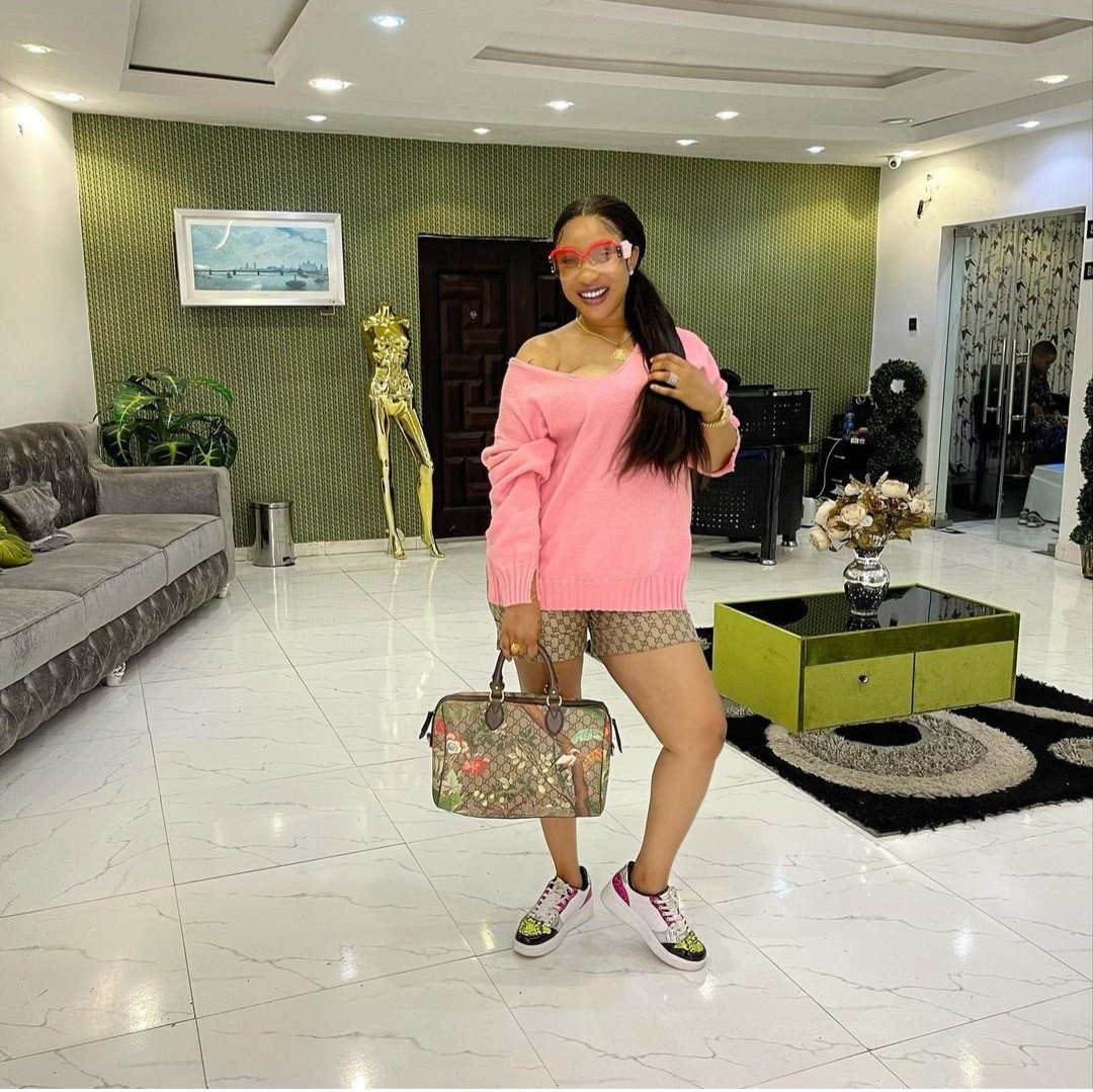 """""""My temper is as short as my height"""" Tonto Dikeh writes as she calls out a male follower"""