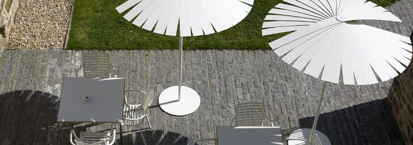 www.hoteltorredeuriz.com-sombrillas-terraza