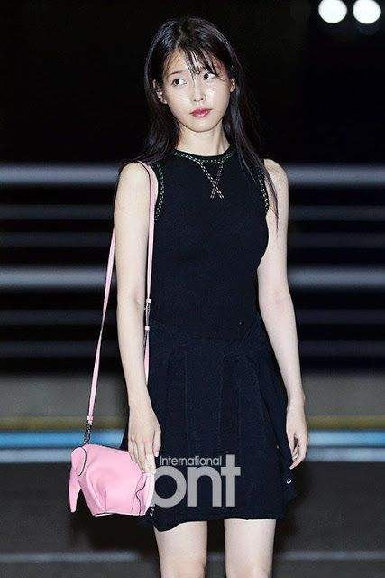 iu black dress 22