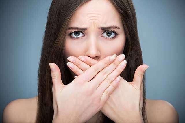 فوائد خل التفاح لعلاج رائحة الفم الكريهة