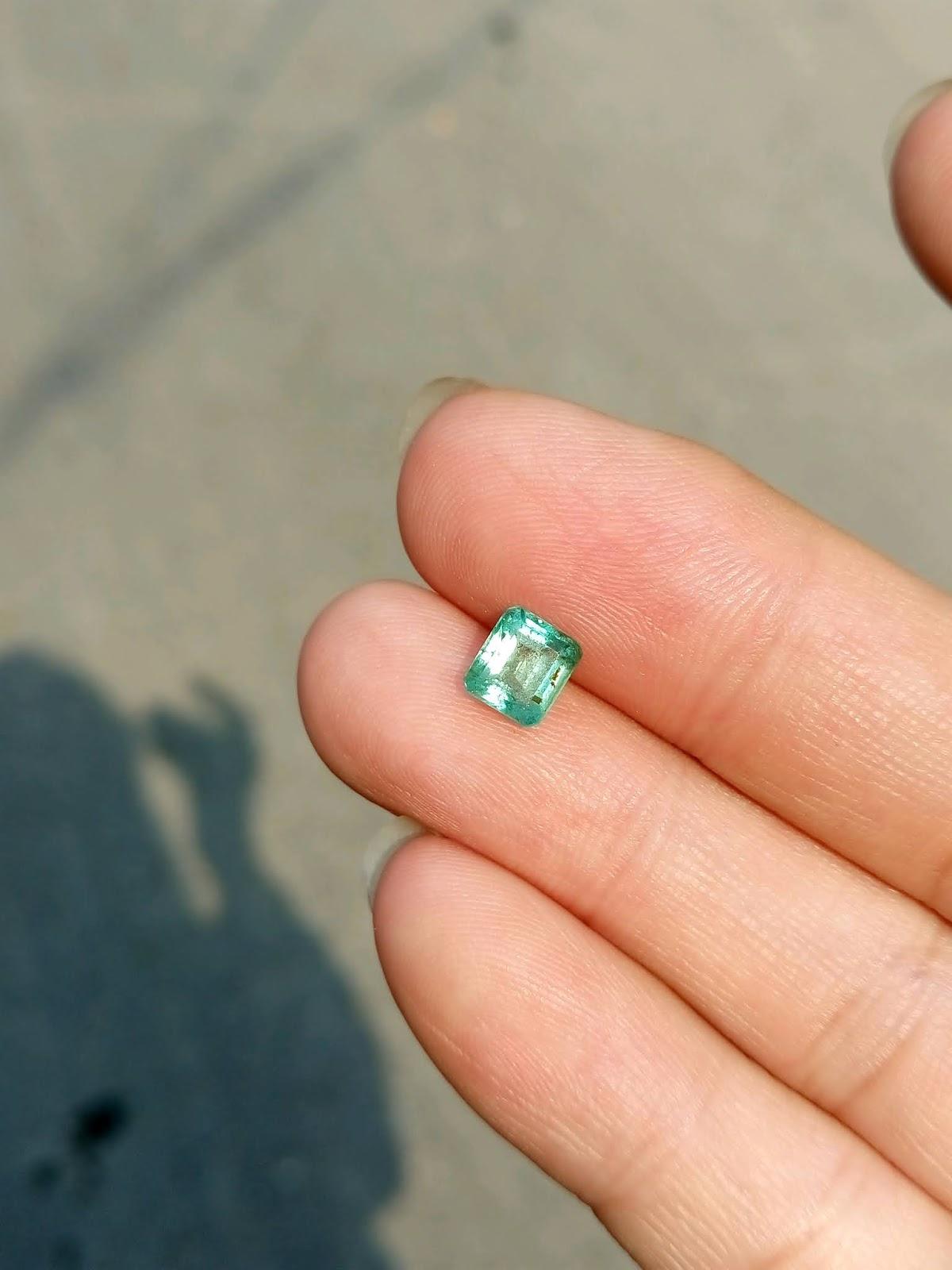 Đá quý Ngọc Lục Bảo thiên nhiên, Natural Emerald